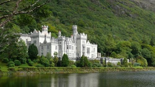 Kylemore Abby & Walled Gardens
