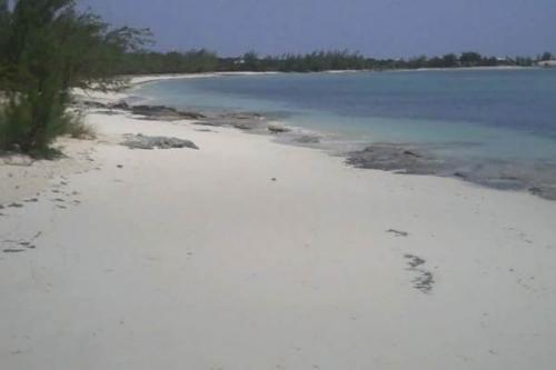 Rum_Cay_island2
