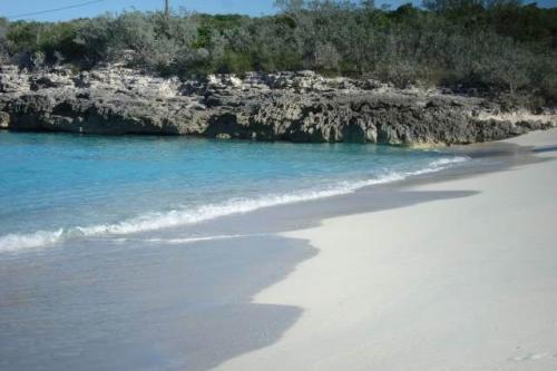 Rum_Cay_island3
