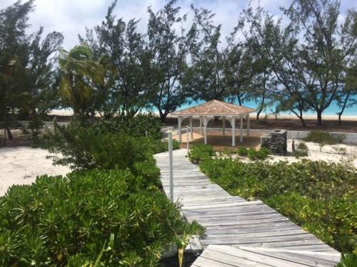 Rum_Cay_island4